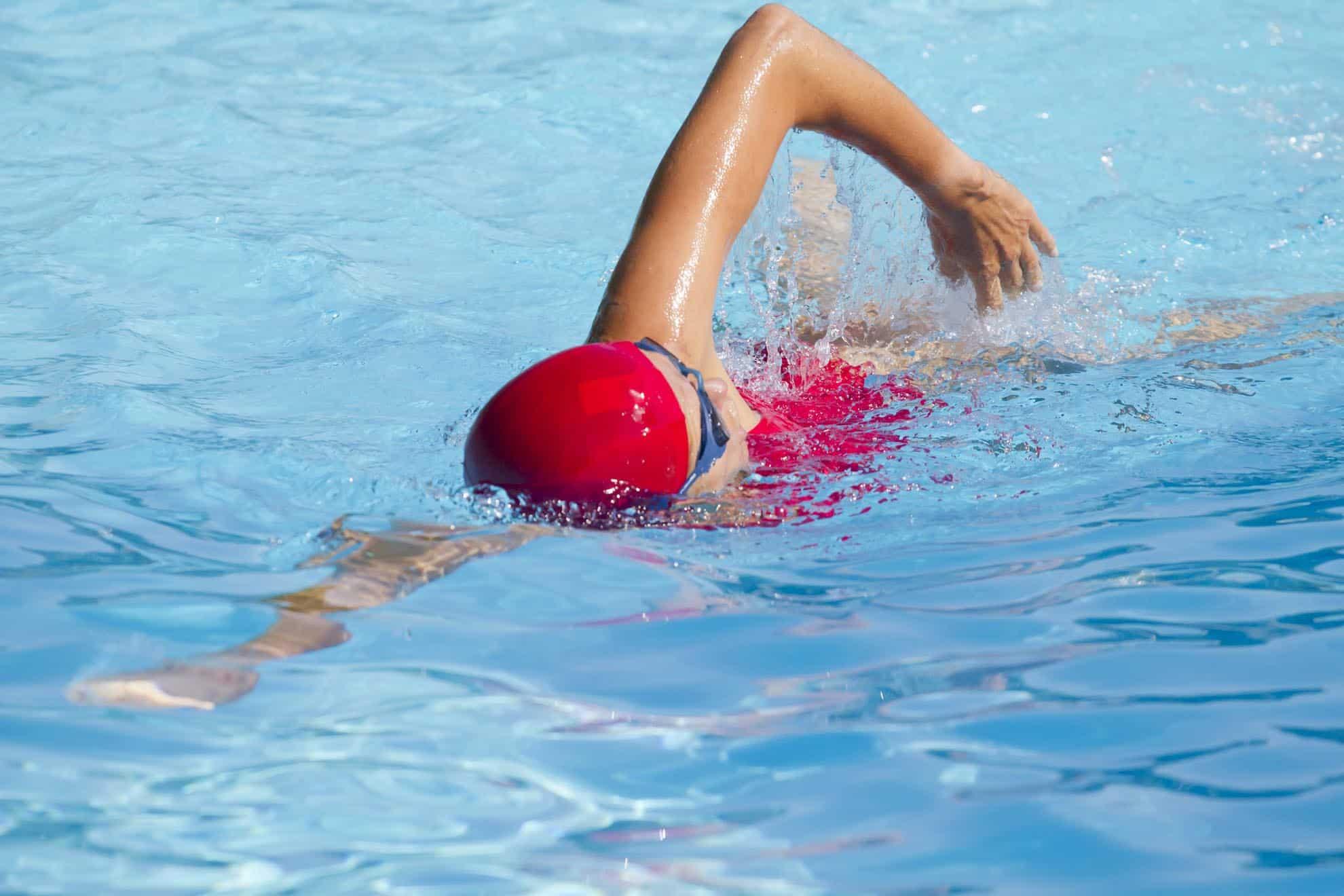 progresser en natation nager plus vite et plus longtemps 1