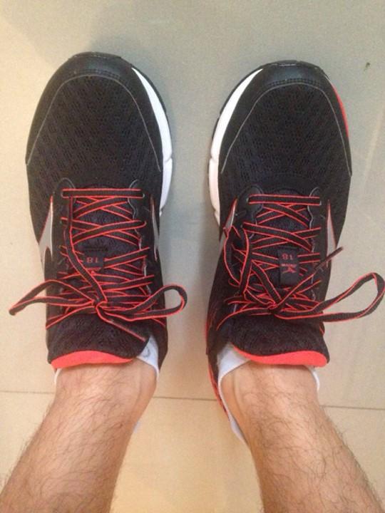 77c3b87e5ff8dc ... paire de chaussures et d'en racheter une autre paire une fois qu'elle  est usée, plutôt que de posséder deux paires de chaussures de qualité  moyenne.